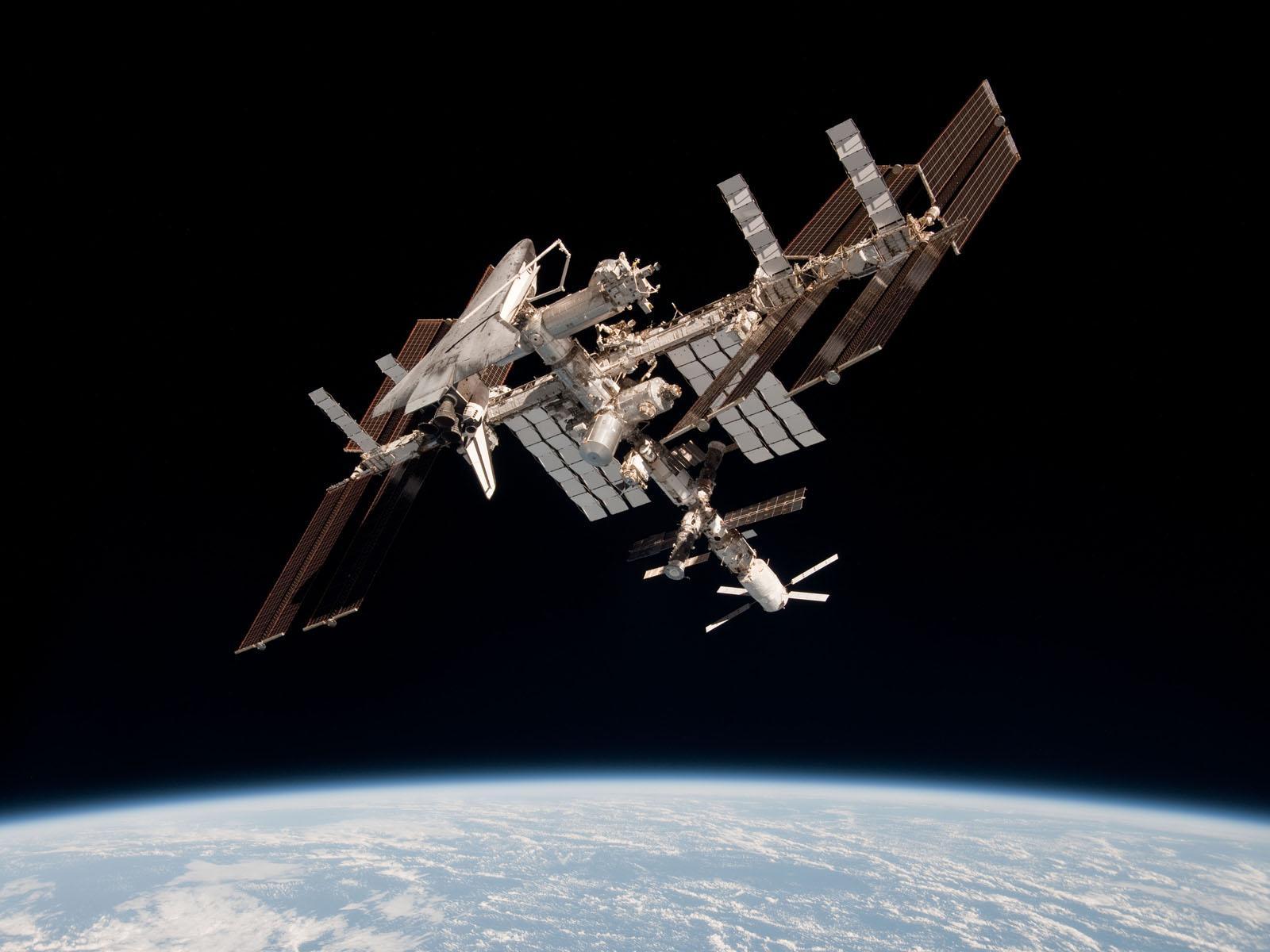 ISS_with_ATV_Johannes_Kepler_and_Shuttle_Endeavour_docked.jpg