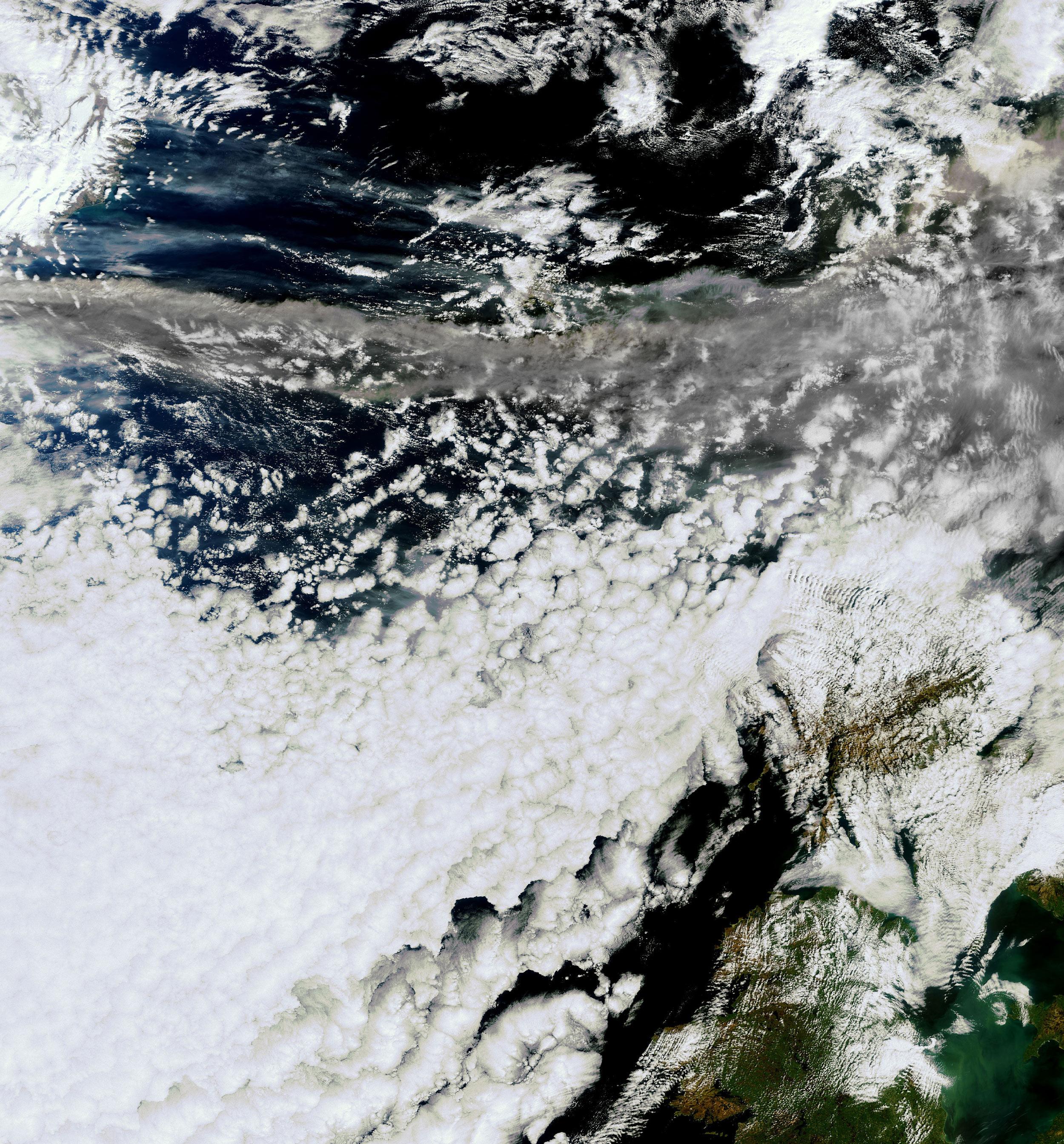 meris-islande-volcan.jpg