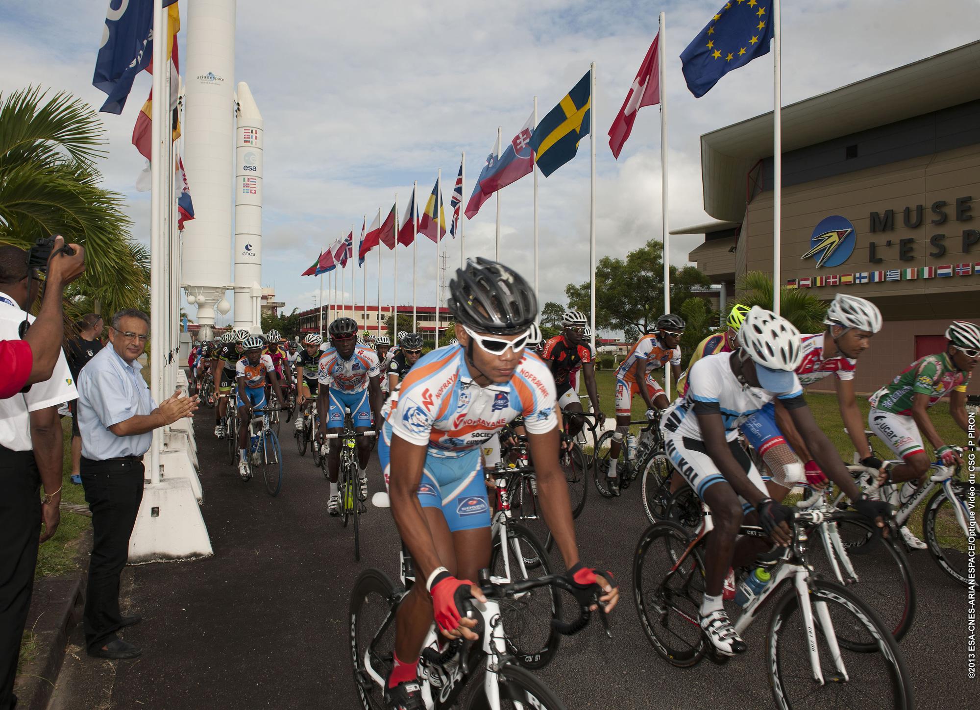 Tour-de-Guyane-au-CSG_095_2000.jpg